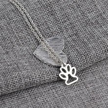1pcs Lovely Fashion cat pets Jewelry Dog Paw Print and Heart shaped paw print charm necklace Women Girl Best Friend Gift(China)