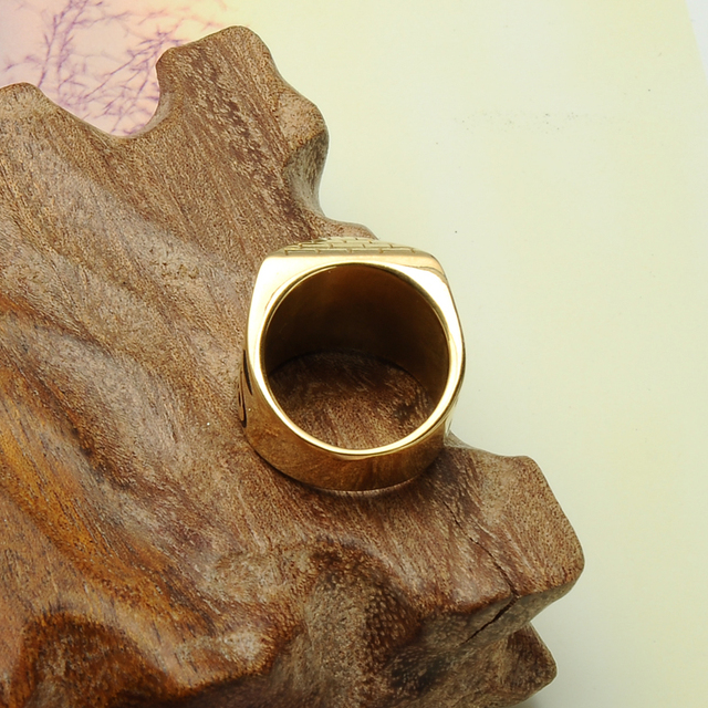 Pyramid Ring 5