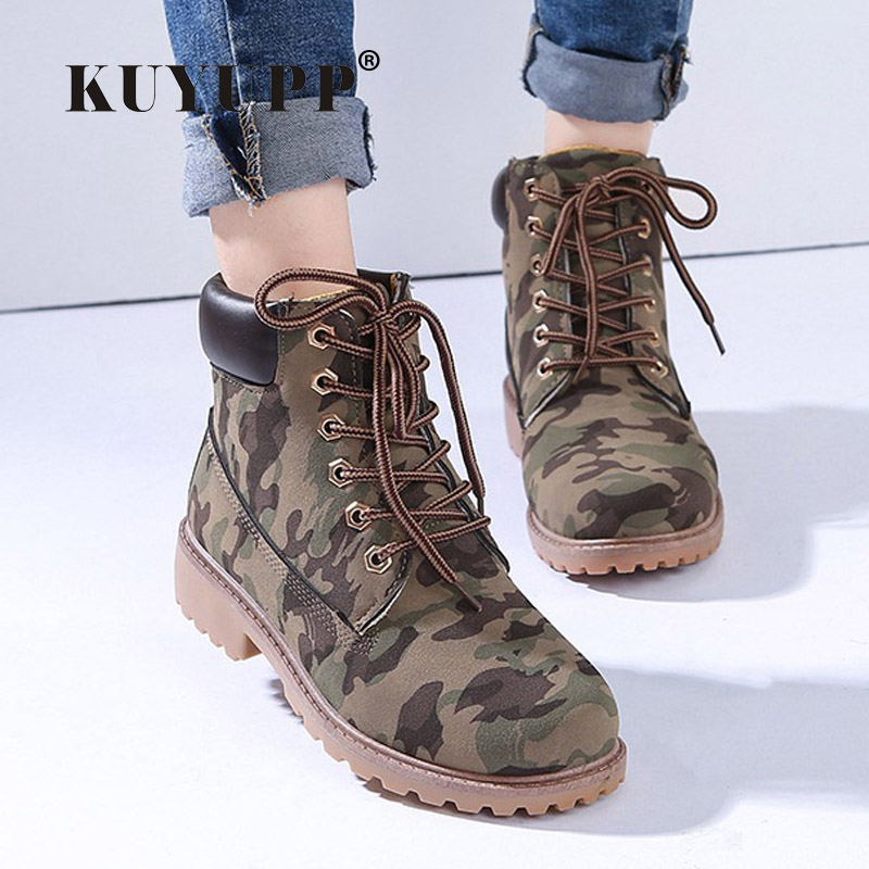 Model  Boots Which Come In A Wide Variety Of Styles, Such As Calf Length, Knee Length Or Thigh Length According To The Occasion, The Women Can Wear Formal And Casual Boots Formal Boots Are Generally Used At Work Or To Attend