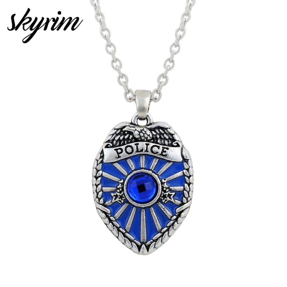 Skyrim Cool JewelryラインストーンPolice Badge Necklace Policeman Blue Crystal&Enamel Silvery Chain Fashion Necklaces as Gift