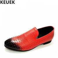 Erkek sivri burun ayakkabı Moda Perçinler Slip-On Flats Gerçek deri Erkekler Loafers Sürüş ayakkabı 022