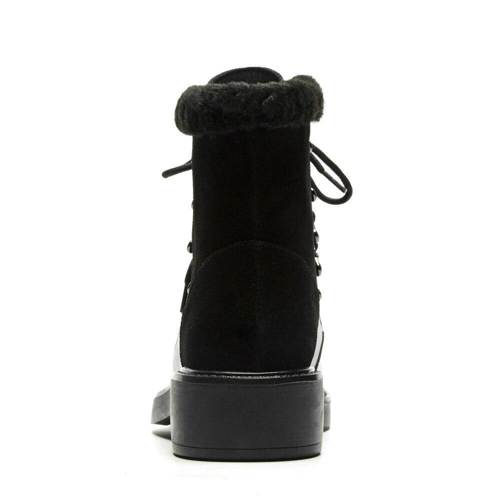 2018 جديد وصول الصلبة warmful جولة اصبع القدم مكتنزة كعوب منخفضة الدانتيل متابعة جلد البقر الفاخرة الأرنب الفراء الأوروبية الغربية حذاء من الجلد l58-في أحذية الكاحل من أحذية على  مجموعة 3