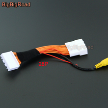 BigBigRoad Car Rear View Camera Adapter Cable 28pins For Toyota RAV4 RAV-4 Corolla Reiz 2014 2015 2016 2017 with RCA Connector