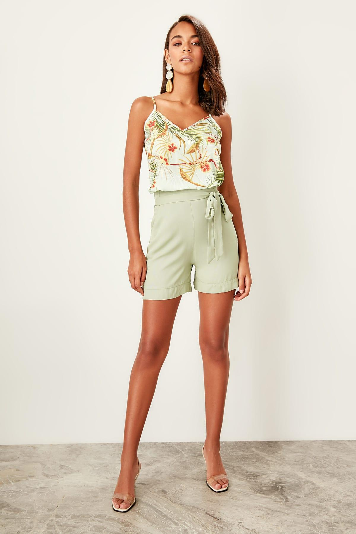 Trendyol Mint Lacing Detaylı Shorts TWOSS19SR0020