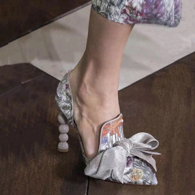 Hot 2018 New Spring Woman Print And Velvet Big Bow Tie Butterrfly Knot Pointed Toe Slip On Pearls Heels Party Sexy Elegant Pumps