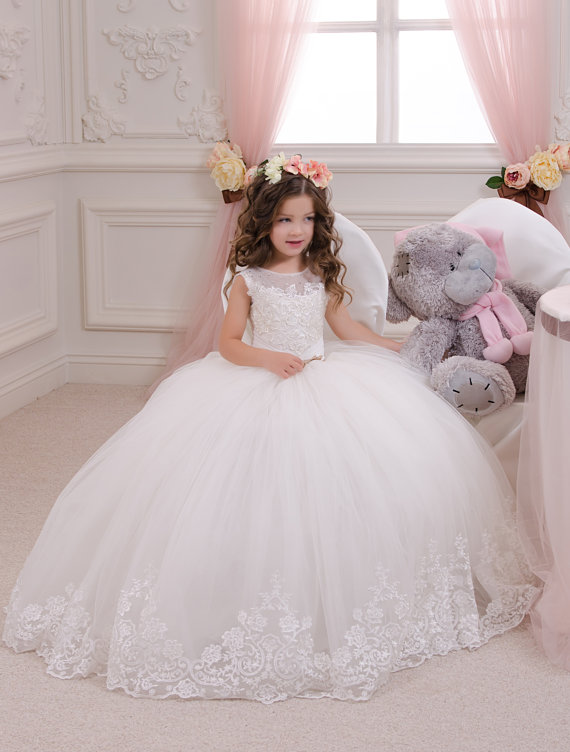 9ea57c082cad Hot sale Ball Gown holy communion dresses custom made white flower girl  dresses for wedding lace appliques beaded pageant gown-in Flower Girl  Dresses from ...