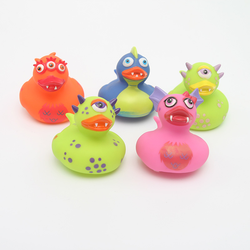 5pcs/2018  NEW set floating ducks Cute Baby Water Bath Toys the dinosaur duck Rubber Duck Classic Toys Gift For Boys Girls Baby