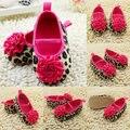 Alta calidad de moda zapatos recién nacidos flor roja de la princesa zapatos de bebé suaves para bebé del zapato 3 tamaño 11.12.13