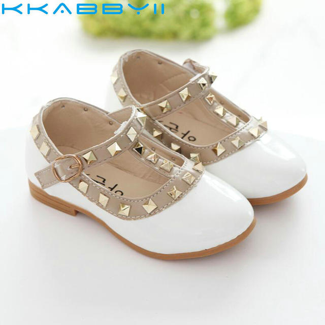 New Girls Sandals Kids Leather Shoes Children Rivets Leisure Sneakers Hot Girls  Princess Dance Shoes 9ab76809f706