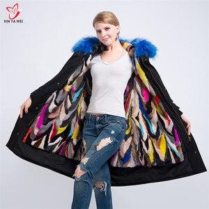 Image 1 - Yeni moda kadınlar lüks büyük rakun kürk yaka kapüşonlu ceket sıcak vizon kürk astar Parkas uzun kışlık ceketler en kaliteli