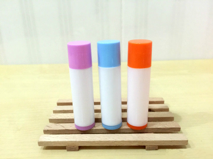 free shipping 5ml PP pro-environment purple/blue/orange lipstick tube,lip balm with rotating cover,white balm container смартфон highscreen fest xl pro blue