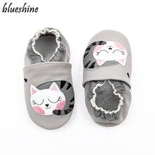 Тапочки из мягкой кожи с мультипликационным принтом «ленивый кот» для маленьких мальчиков и девочек 0-6, 6-12, 12-18 месяцев; обувь для малышей; Zapatos; обувь для малышей