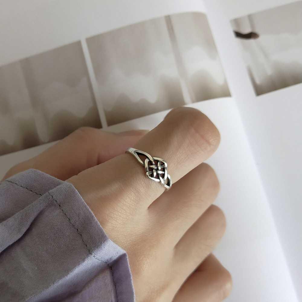 Minimalist 925 ฐานเงินสเตอร์ลิง Handmade Retro ไม่มีที่สิ้นสุด Eternal จีน Mystic Knot แหวนสัญญาสำหรับแฟน