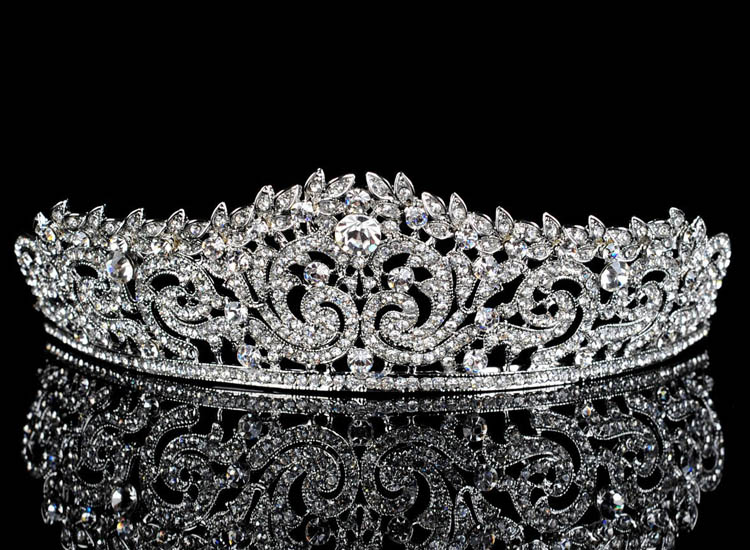 HTB1zivGMpXXXXbUXVXXq6xXFXXXW Lavishly Studded Bridal Prom Party Pageant Cosplay Rhinestone Tiara Crown For Women