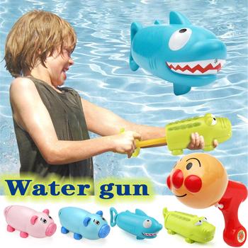 Do kąpieli dla dzieci pływanie zabawki dla dzieci śliczne zwierząt pistolety na wodę zabawki Shark świnia dzieci bawią się woda strzelanka pistolety lato pływanie gry zabawki tanie i dobre opinie HeLIC Max 8 ~ 13 Lat 14 lat i więcej Dorośli Sport