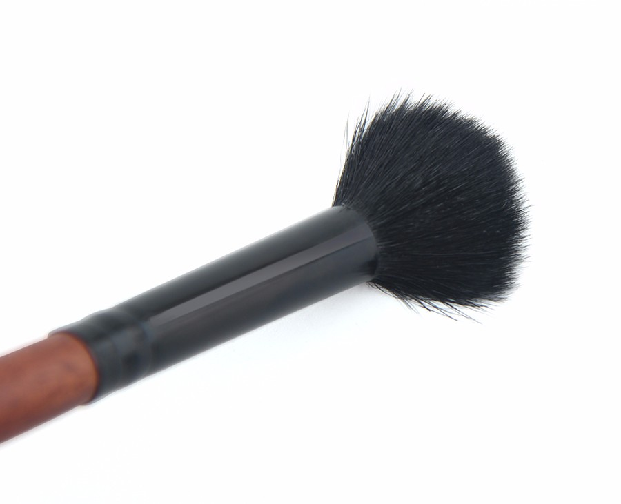 eyeshadow brush 2