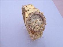 Nuevas parejas de acero con diamantes de imitación reloj de los hombres únicos del reloj superficie de la pantalla de famosa marca amantes de La Moda con un reloj