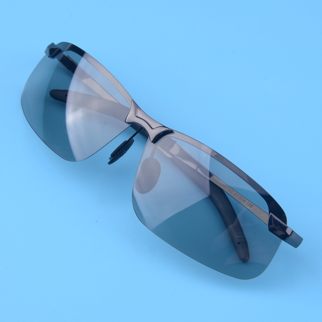3013eaf2c3 UV400 hombres polarizadas fotocromáticas transición lente gafas de sol al  aire libre conducción pesca ciclismo deportes Bike con la caja de vidrios
