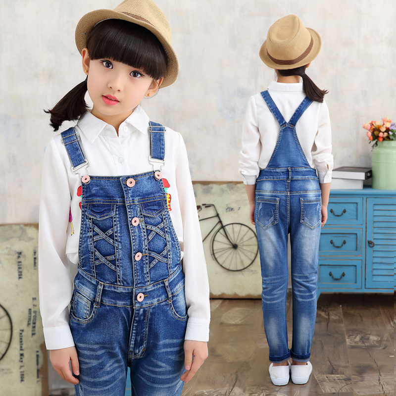 купить 2017 New Kids Denim Overall for Girls Children Autumn Suspenders Pencil Jeans Kids Jumpsuit Girls Denim Overalls High Quality по цене 3533.15 рублей