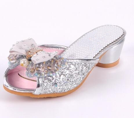 04adbc6c91 US $23.28 |Children High Heels Shoes Girls Cool Slippers Fashion Sequins  Crystal Princess Sandals 2017 Summer New Beaded Bowtie Slippers-in Slippers  ...
