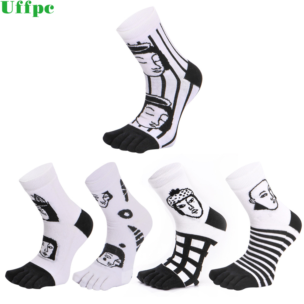 3 pairs/Lot Characters Mens Socks Top Quality Spring Autumn Cotton Five Toes Socks Breathable For Five Finger Shoes white