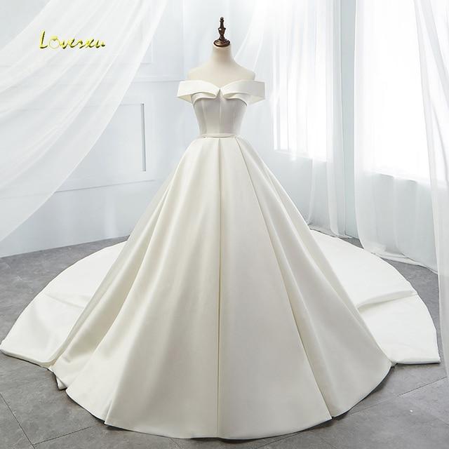 Loverxu Vestido דה Noiva סקסי סירת צוואר בציר חתונת שמלת 2019 קפלת רכבת פשוט מט סאטן קו כלה שמלה בתוספת גודל