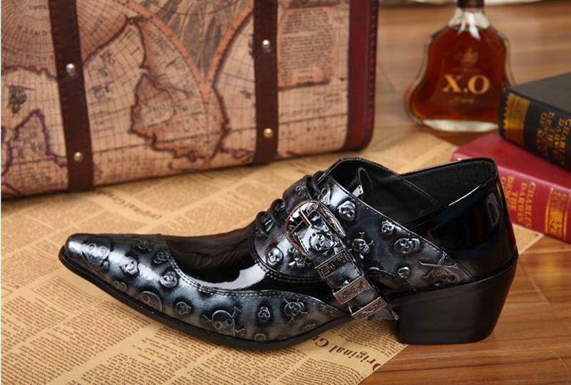 147a0d67a Personalidade sapatos de venda quente da forma do crânio do punk ...