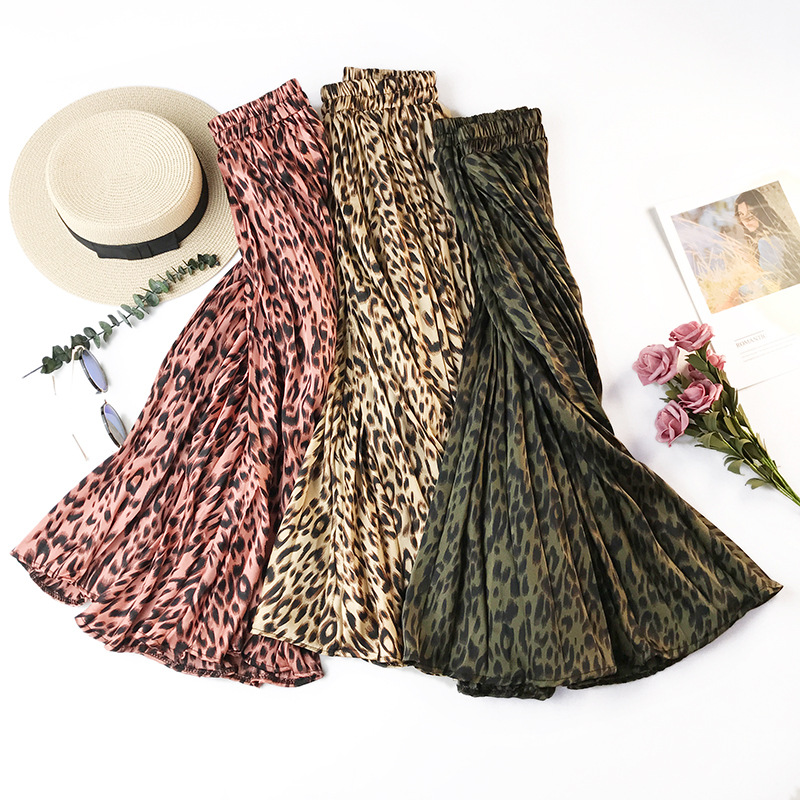 Retro Leopard Pleated Skirt
