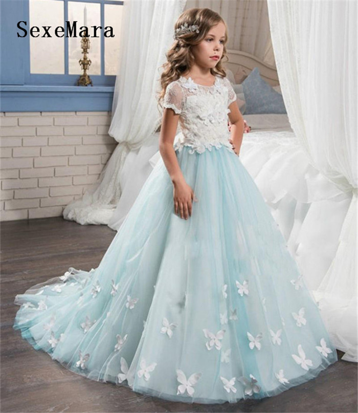 2019 Customized Puffy Tulle Flower Girls Dresses Lace With 3D Butterfly Appliques Long Girls Birthday Dresses Communion Gown2019 Customized Puffy Tulle Flower Girls Dresses Lace With 3D Butterfly Appliques Long Girls Birthday Dresses Communion Gown