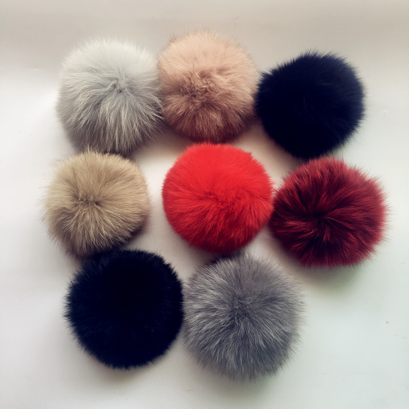 11pcs Promotion! 100% Real Raccoon Fur Pom Pom 15CM Winter   Skullies     Beanies   Hats/Cap/Bags/Key Natural Fur Pompoms Free Shipping