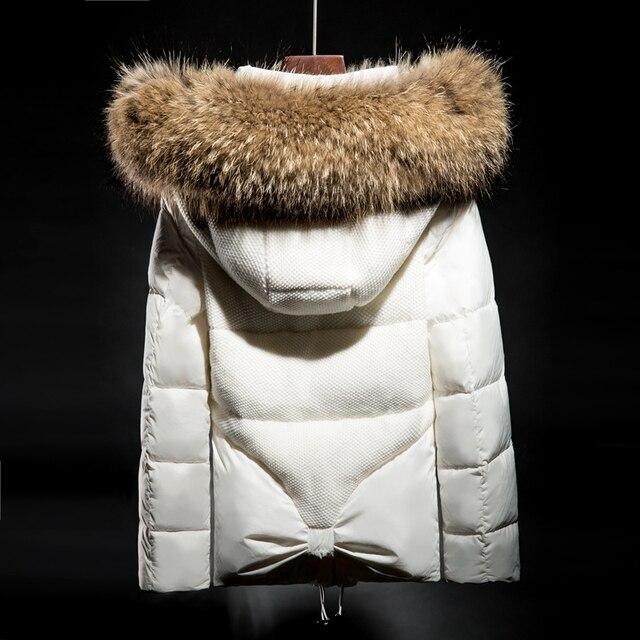 De lujo 2016 chaqueta de Invierno mujeres abajo chaquetas de piel de Mapache Verdadero abrigo con capucha espesar abajo cubre corto parka de la Mujer delgada prendas de vestir exteriores