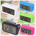 2016 LED de Alarma Del Reloj, Sonidos De Control de Temperatura Despertador Pantalla LED Electrónica Digital de Escritorio Relojes de Mesa
