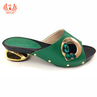 Latest Green Color Italian Ladies Sexy Low Heels Pumps Rhinestones Design Ladies Pumps African Sandal Shoes for Party Wedding