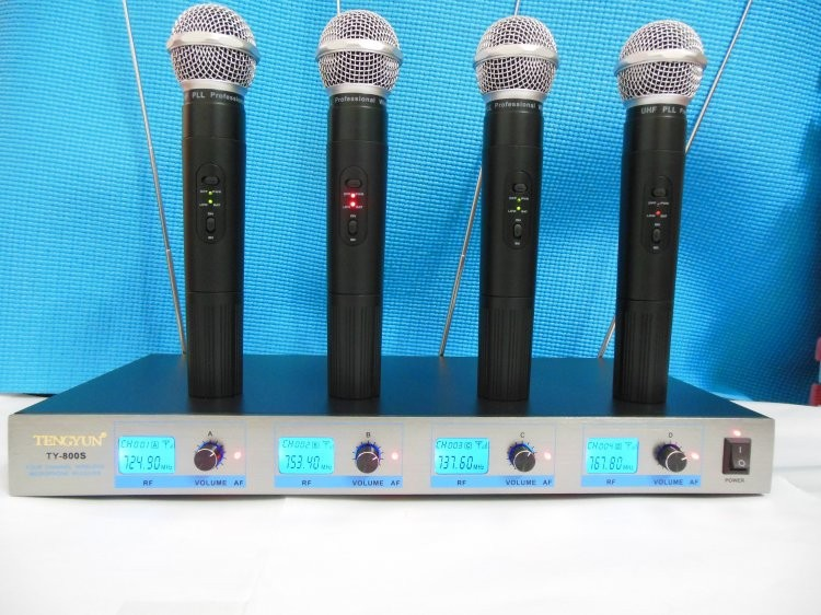 handheld 4 channels wireless microphone system ty 800s 4 handheld professional mics for church. Black Bedroom Furniture Sets. Home Design Ideas