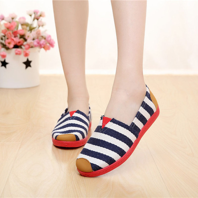 2016 Summer Lady Canvas Casual Shoes Star and Striped Women Flats Rounded Toe Slip on Casual Loafers for Women 130