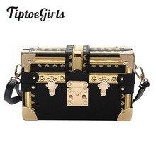 b917e047769ff Moda Kutusu Kadın Çantası Perçinler Moda Kadın postacı çantası Küçük Kare  Kız omuz çantaları 2018 Yeni Kadın Omuz Paketleri