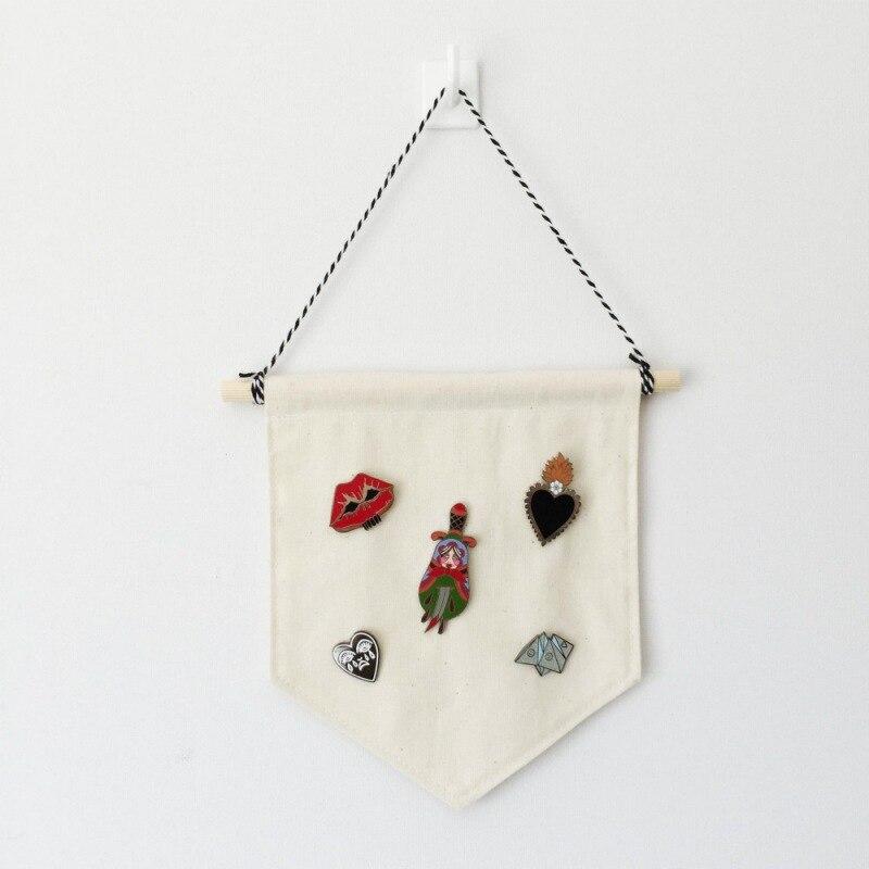 Blank Badge Display Hanging Cloth Kids Room Pennant Buttons Brooch Badge Organizer DIY Wall Decoration(China)