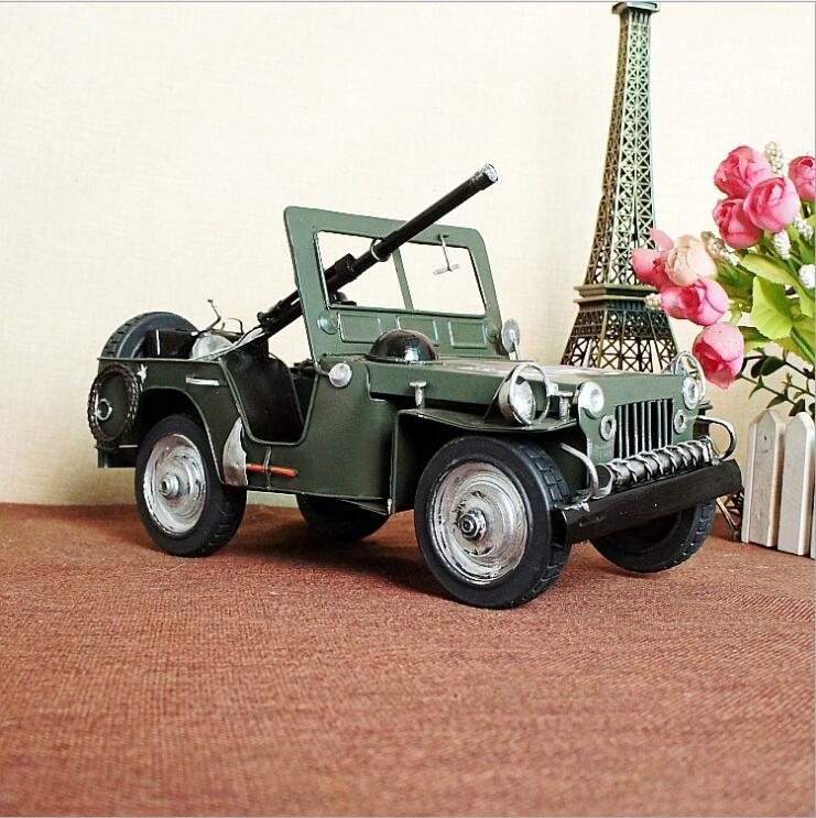 Modèle de voiture blindée citerne militaire Jeep SUV Willis 1:18 modèle de voiture militaire en métal ornements