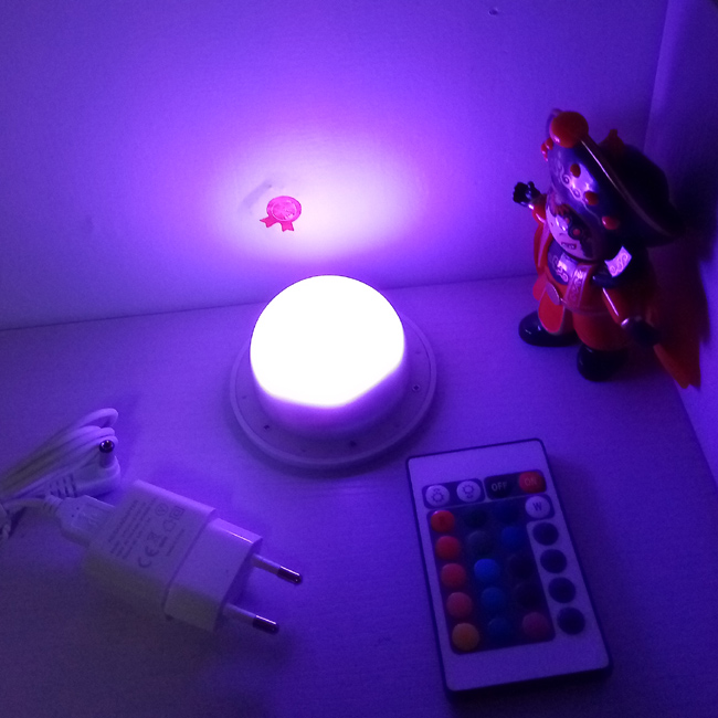 D85mm Direct Charging Portable Mini LED Light Source With 16 Color Remote Controller Rechargeable 1200mah Built-in 20pcs/Lot