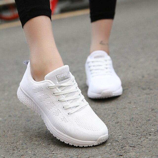 d5c0f61820 Sneakers Mulheres Malha Respirável Rendas Até Sapatos Confortáveis Mulheres  Flats 2019 Moda Casual Verão Sapatos Sapatas Das Senhoras Pretas X-222