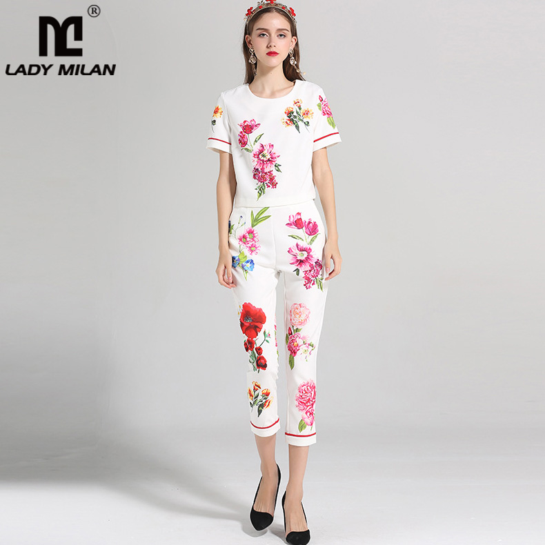 Womens O Neck Short Sleeves Printed Blouse with 3/4 Floral Pants Fashion Runway Twinsets Two Piece Pants Sets