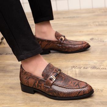 Męskie buty outdoor 2019 nowe skórzane oxford męskie buty na zamówienie skórzane męskie buty biznesowe oddychające modne buty weselne 4 tanie i dobre opinie Dla dorosłych Przypadkowi buty WOSHI Patent leather RUBBER Świnia Podzielone Prawdziwej skóry Skóra bydlęca Mokasyny