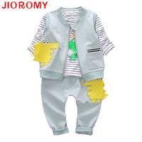 JIOROMY Jongen Kleding Pak Vest + T-shirt + Broek 3 stuks Set Cartoon Dinosaurussen Mode Gestreepte Lange Mouwen Katoen Baby 2017 herfst