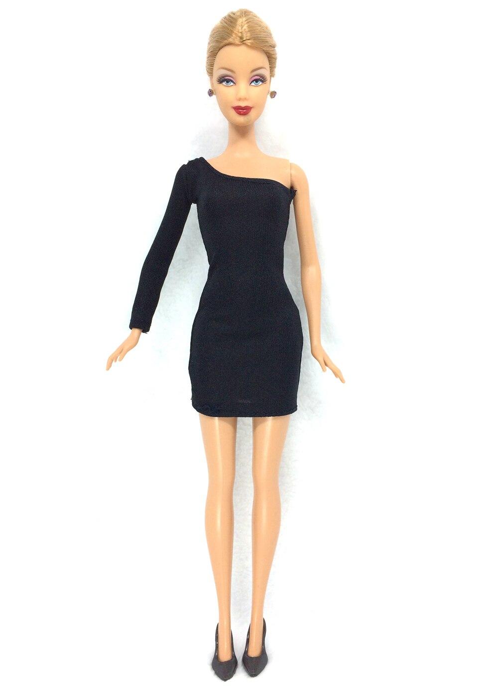 NK 12 gjenstander = 6 svarte kjoler + 6 svarte hæler dukke mote - Dukker og tilbehør - Bilde 5