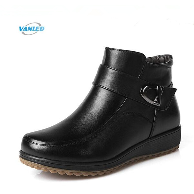 2018 New Winter Warm Comfort Snow Boots Fashion Shoes Women Boots Flat Non-slip Real Leather Shoes Plush or Wool Boots Plus size цена