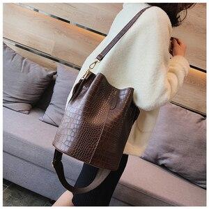 Image 2 - Ansloth Crocodile Crossbody Bag For Women Shoulder Bag Brand Designer Women Bags Luxury PU Leather Bag Bucket Bag Handbag HPS405