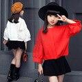 Negro/Rojo/Blanco Colores Suéteres del Cabrito Hermoso Sólido Puff Manga Suéteres de Invierno Niñas Moda Primavera/Otoño Ropa de tejido de punto