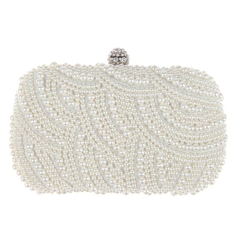 Pochette ovale perlée pour la mariée
