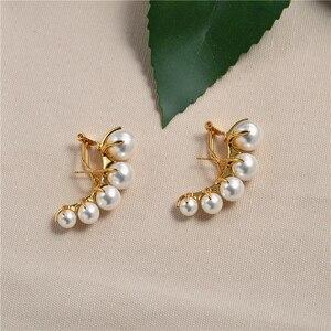 Image 2 - Europäische und Amerikanische mode nische marken allmählich ändern Perle ohr nägel weibliche übertreibung temperament vintage ohrringe