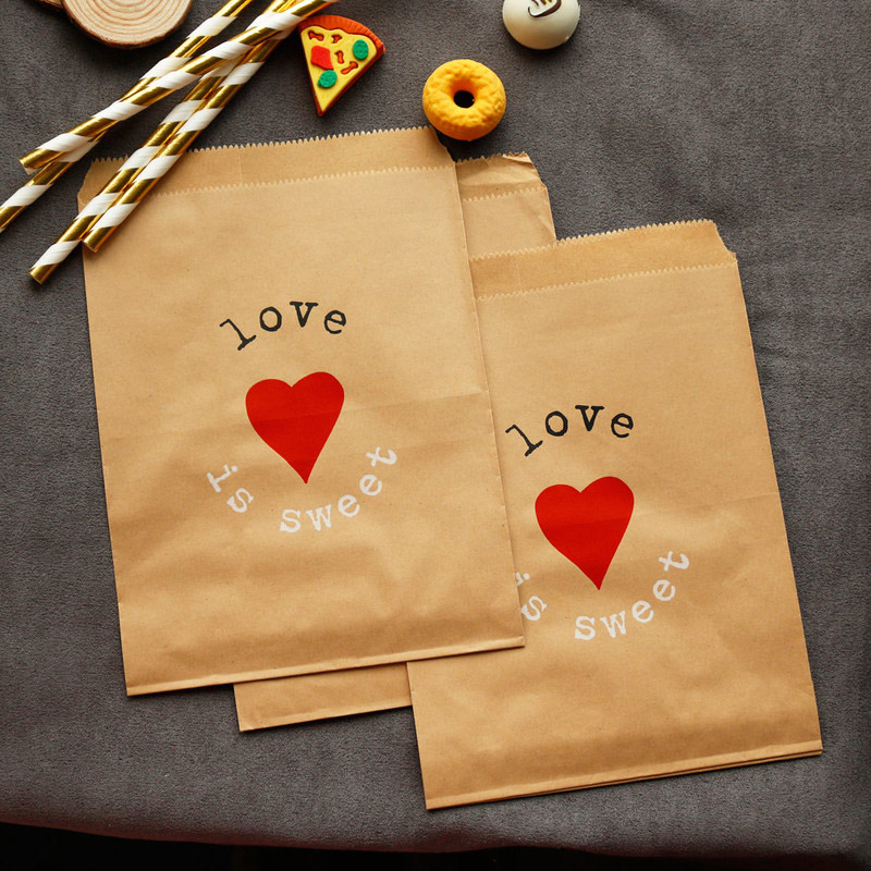 25pcs Kraft Paper Bags For Gifts Love Is Sweet Flat Paper Gift Bags Wedding Party Snack Candy Bags Lace Paper Bags For Packing